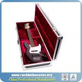 Forte caso di volo della visualizzazione della chitarra con l'inserto su ordinazione della gomma piuma