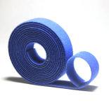 La fascetta ferma-cavo di nylon autobloccante si applica al campo elettrico di cavo