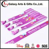 Изготовленный на заказ планка запястья руки сатинировки ткани ткани логоса/Wristband напечатанные сублимацией
