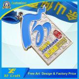 工場価格リボンが付いているカスタマイズされた亜鉛合金の金属の円形浮彫り