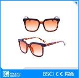 2016 occhiali da sole delle donne all'ingrosso di alta qualità
