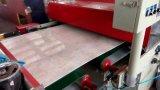 Protuberancia plástica de la producción de la tarjeta de mármol artificial del PVC que hace la línea de la maquinaria
