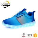 De nieuwe Hete Schoenen van de Mensen van de Sport van de Schoenen van het Ontwerp van de Kleur Toevallige Opvlammende verkopen