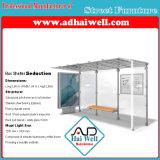 Het Adverterende Comité van het Busstation van de Dekking van het glas