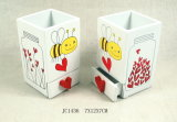 Marco en forma de corazón de la tarjeta del día de San Valentín de madera en el MDF