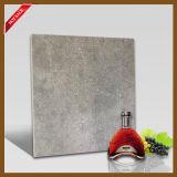 熱いデザインマットの陶磁器の艶をかけられたタイルをロードする灰色シリーズ倍