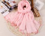 Gli scialli del poliestere del cotone Plain la sciarpa lunga della nappa di colore per il commercio all'ingrosso