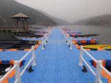 El plástico modular flota para el muelle del barco