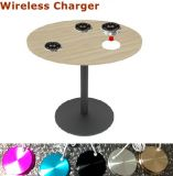 表の机の家具の無線電信の充電器