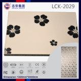 1220*2440mm高い光沢のある18mm紫外線上塗を施してあるPVCによって薄板にされるMDF (LCK2049)
