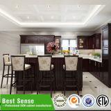 Disegno moderno poco costoso degli armadi da cucina di Items&Modular degli armadi da cucina di legno solido con il dispersore di cucina del granito