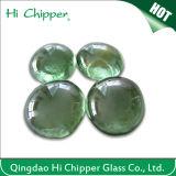 Piqûre en verre vert clair d'incendie de pierre gemme