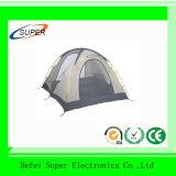 屋外のキャンプ袋4人のキャンプテント