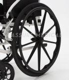 Faltender leichter Aluminiumrollstuhl in den Invaliditäten (AL-001G)
