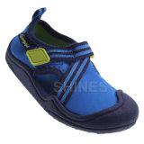 Ботинки Aqua спорта оплетки мальчика молодости