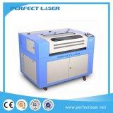 Машина лазера СО2 акриловая/доска пластмассы/древесины/PVC/кожаный гравировальный станок лазера