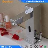 Mezclador electrónico infrarrojo del sensor del control de la temperatura de Beelee Touchless