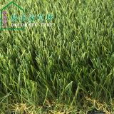 Césped artificial de la hierba de la resistencia ULTRAVIOLETA del color de Natual de la dimensión de una variable de U