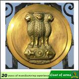 Emblème de la Roumanie plaqué par antiquité Plice en métal