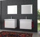 Шкаф ванной комнаты стены вися с керамической тщетой ванной комнаты тазика
