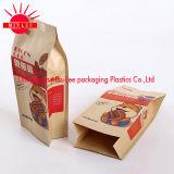 УПРАВЛЕНИЕ ПО САНИТАРНОМУ НАДЗОРУ ЗА КАЧЕСТВОМ ПИЩЕВЫХ ПРОДУКТОВ И МЕДИКАМЕНТОВ кладет мешок в коробку для упаковки еды