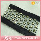 衣服の縫う装飾のための卸し売りビーズテープ黒のリボン
