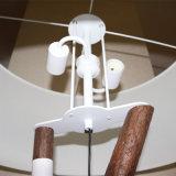 Lámpara de suelo derecha grande de madera decorativa del hotel antiguo