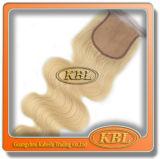 バージンのブラジルの毛の織り方のブロンドの深い巻き毛
