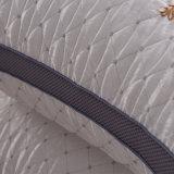 Cuscini della piuma bianca