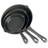 カスタマイズされる鉄鍋を砂型で作りなさい