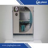 De houten/Plastic Spiegel van het Frame op de Spiegel van het Leven van het Huis van de Muur