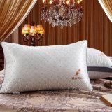 白い羽の枕