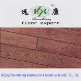実質の木製の穀物によって浮彫りにされる暗く旧式な多層設計されたフロアーリング