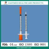 Siringa dell'insulina con l'ago, a gettare