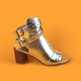 여자 소녀를 위한 은 금속 중앙 발뒤꿈치 샌들 시동