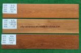 Mattonelle di pavimento di legno di ceramica del materiale da costruzione di Foshan