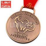 Medalla de cobre de Debossed de la insignia de encargo barata de la alta calidad