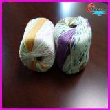 Amo di Crochet di plastica con il filo di cotone di bambù di lavoro a maglia del filato fantasia