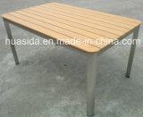 Openlucht Eettafel met de Vierkante Stoelen van het Ontwerp