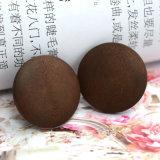 Petites boucles d'oreille en bois normales rondes fabriquées à la main de goujon de Brown