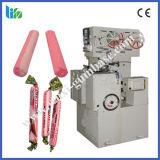 Máquina da estaca e de embalagem dos doces do Toffee no preço do competidor