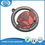 Medalla de metal para deportes de maratón negro hecha por Soft Enamel