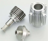 Peça fazendo à máquina do CNC, parte de alumínio feita à máquina