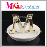 Держатель ювелирных изделий красивейшего керамического способа кольца форменный