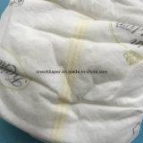 Couche-culotte de bébé d'ajustement serré avec l'indicateur d'humidité
