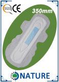 Resellar las servilletas sanitarias disponibles de la superficie de la cinta de la talla neta seca del OEM