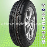 China-Fabrik-neuer Personenkraftwagen-Reifen PCR-Reifen und heller LKW-Gummireifen (P235/75R15, P215/70R16, P225/70R16)