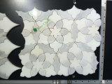 Azulejo de mosaico de mármol de la flor/azulejo de mármol blanco de Carrara hecho en China