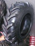 Modelo del diseño R-1 de la fórmula conveniente para los neumáticos del alimentador de granjas (13.6-24)