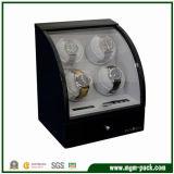Envernizado com a caixa de relógio automática de giro de madeira do indicador